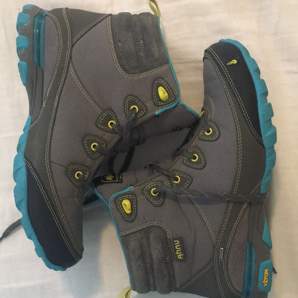 444b525bb07 Ahnu Hiking boots in great shape size 10